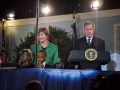 Laura_Bush_and_children_lighting_tree